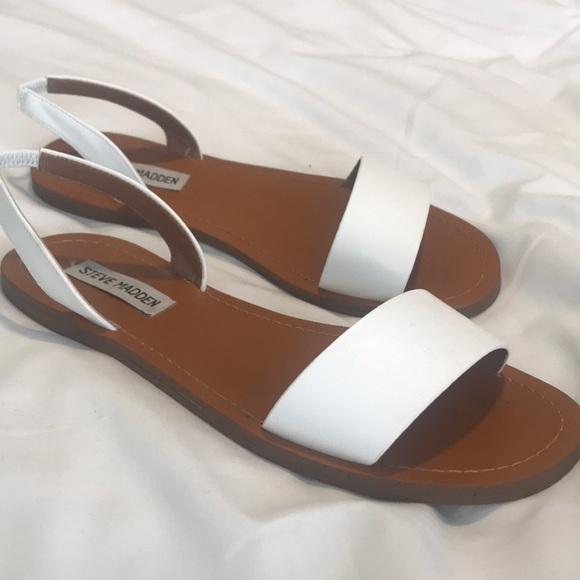 5b2653396da Steve Madden Alina sandals. M 5aecb5028290af06fd011671